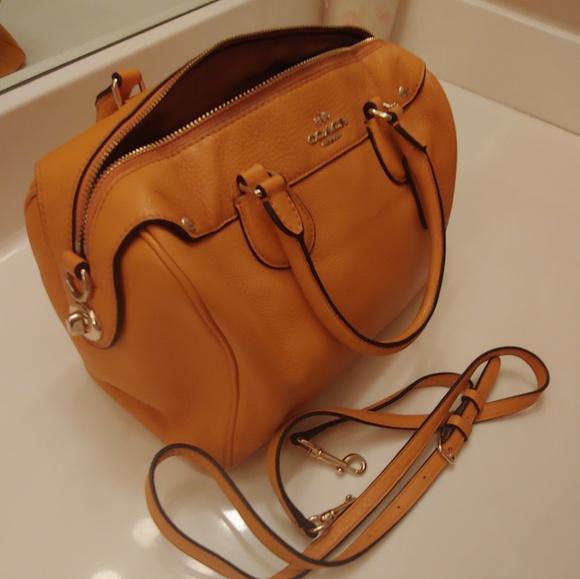Coach Handbags - Lightly loved Coach purse!